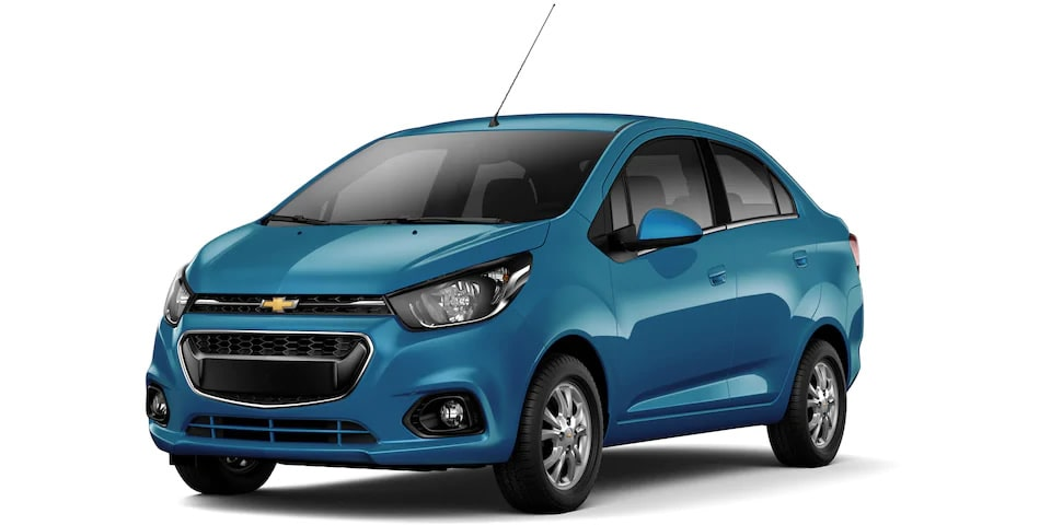 Chevrolet Beat Notchback 2020, sedán en color azul caribe