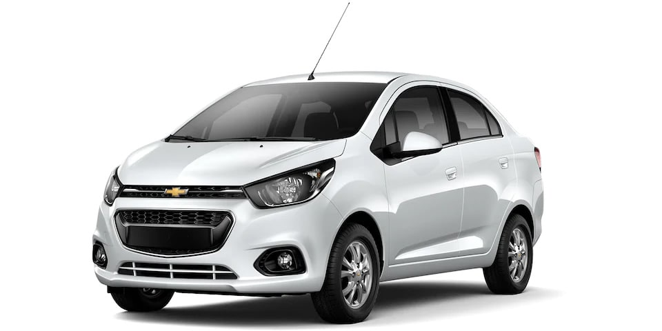 Chevrolet Beat Notchback 2020, sedán en color blanco